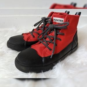 Hunter Red & Black Lace Up Boots - Boys Size 4